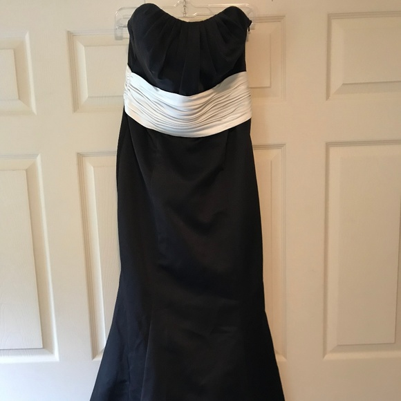 e80fd5836a David s Bridal Dresses   Skirts - David s Bridal Black White Mermaid Prom  Dress sz10